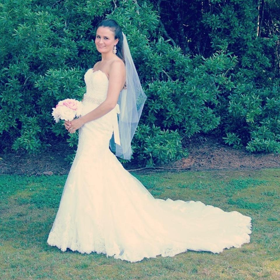 Maggie Sottero White Lace & Tracey Modern Wedding Dress Size 6 (S ...