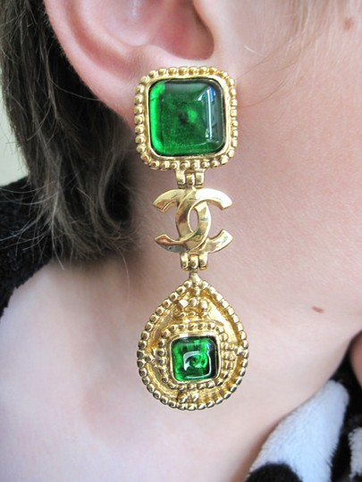 Chanel AUTHENTIC VINTAGE CHANEL GRIPOIX GLASS EMERAL GREEN EARRINGS GORGEOUS