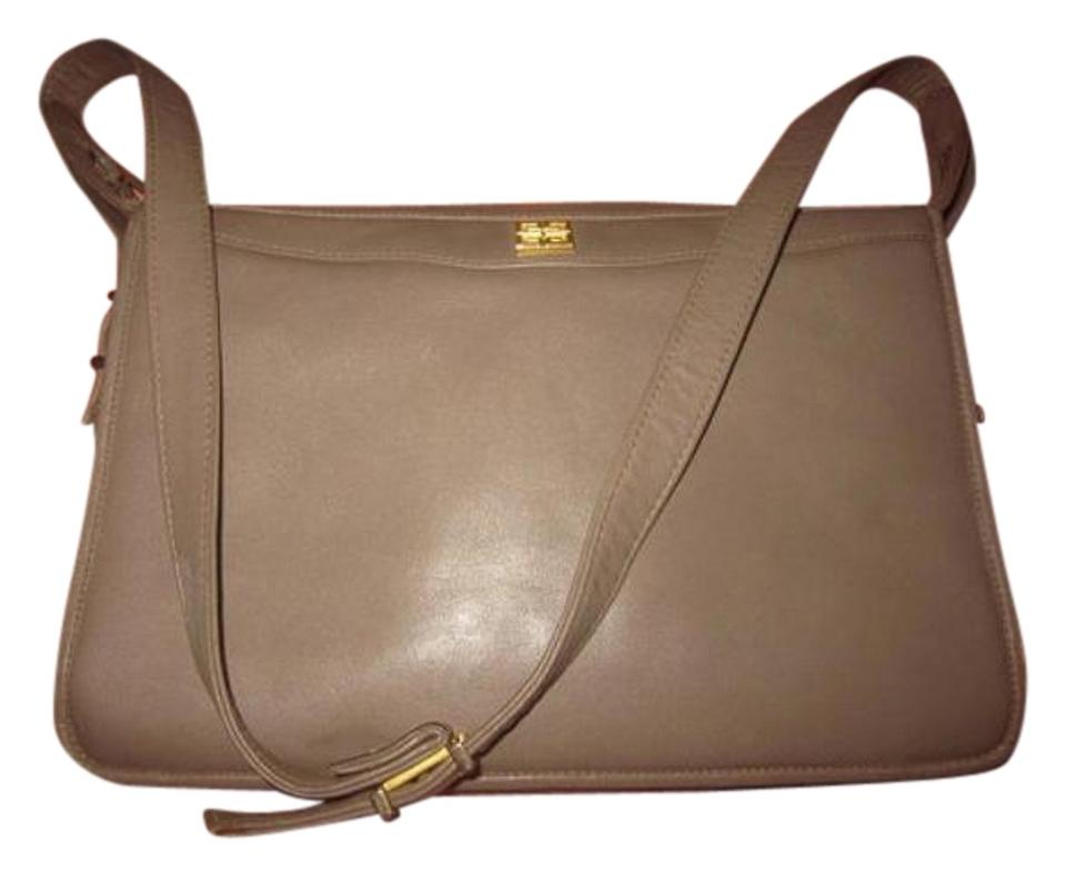 3663100eaea1 Givenchy Mint Vintage Multiple Compartment Classic Style Great For Everyday  Gold Hardware Shoulder Bag ...