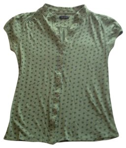 Forever 21 T Shirt Olive green with blue flower