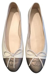 Chanel Leather Ballet Creme with gold cap toes Flats