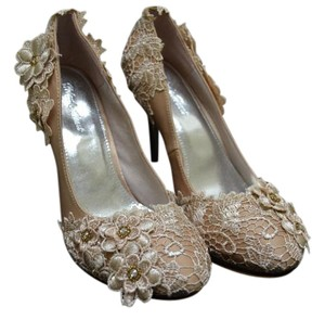 Helen's Heart Lace Trim Beige Pumps