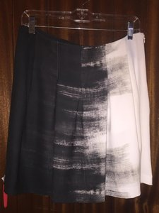 Vince Size 6 Black And White Free Shipping Skirt