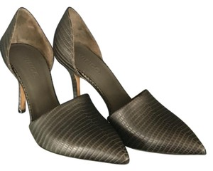 Vince Brown Pumps