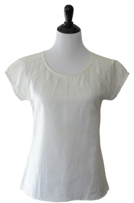 Preload https://item3.tradesy.com/images/ann-taylor-classic-top-white-1747137-0-0.jpg?width=400&height=650