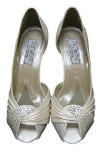 Liz Rene Couture Ivory Pumps