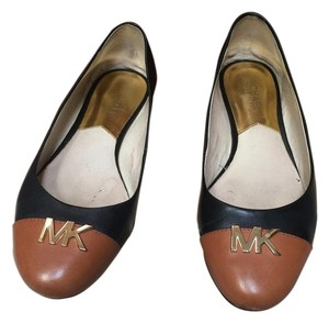 Michael Kors Black tan Flats