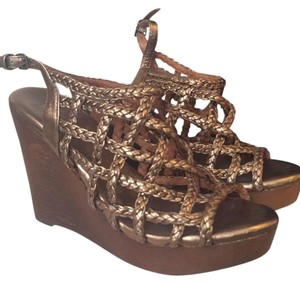 J. Litvack Wedges