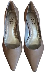 BCBG Paris Stiletto nude Pumps