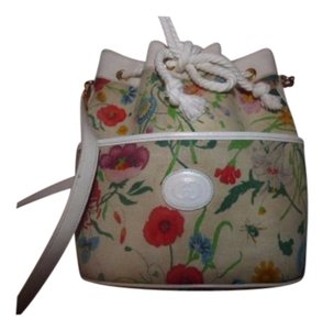 Gucci Drawstring Top Shoulder/Cross Body Mint Condition Leather/Gold Satchel in floral print canvas/white lthr