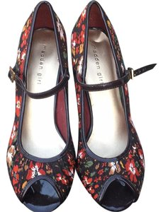 Madden Girl Brown floral Pumps