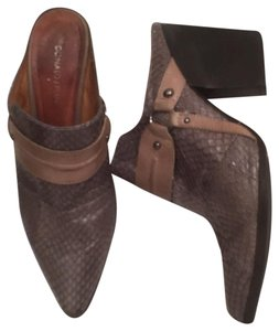 Donald J. Pliner Snakeskin Leather Western Gray Taupe Mules