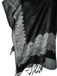 reversible black white pashmina Pashmina wrap shawl reversible black white gray w fringe