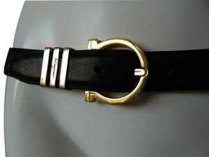 Salvatore Ferragamo Vintage Salvatore Ferragamo Gold-Tone Gancio Black Leather Belt 32''