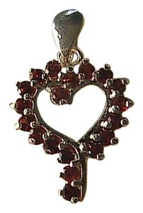 Unknown Sterling Silver 1.9 carats Garnet Heart Pendant
