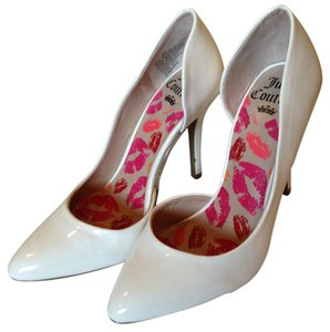 Juicy Couture White Pumps