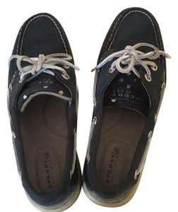 Sperry Navy and silver Flats