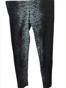 Bar III Classic Spandex Snakeprint Jeggings