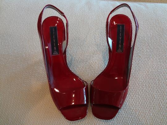 Steve Madden Dark Red Sandals