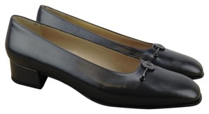 Salvatore Ferragamo Leather Smooth Low Heels Classic Black-Grey Pumps