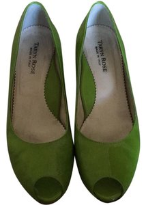 Taryn Rose Green Wedges