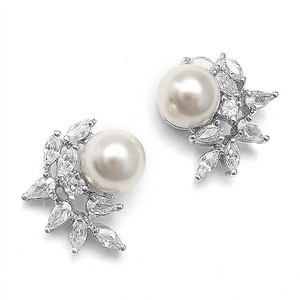 New Clip-on Petite Crystal And Pearl Bridal Earring