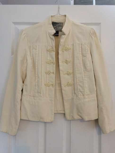 Preload https://item3.tradesy.com/images/mac-and-jac-cream-blazer-size-6-s-1749892-0-0.jpg?width=400&height=650