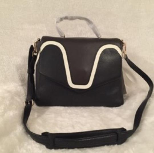 Tory Burch Satchel in Expresso/black Image 3