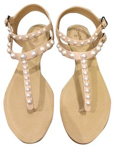 Chanel Chain Pearl beige Sandals