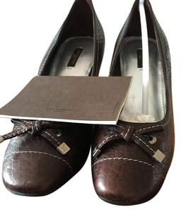 Louis Vuitton Moka -dark brown Pumps