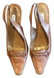 Alfani Camel Pumps