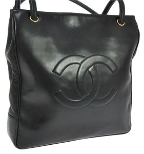 Chanel Vintage Caviar Leather Cclogo Shoulder Bag