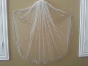 Elbow Length Veil With Swarovski Crystals