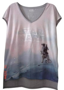Rock & Republic Rhinestones Free Gift Included Star Wars Earrings T Shirt GRAY
