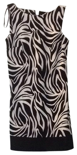 Preload https://item1.tradesy.com/images/agb-zebra-print-0338h77-night-out-dress-size-8-m-1750980-0-0.jpg?width=400&height=650