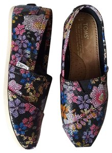 TOMS Slip On Floral Black Flats