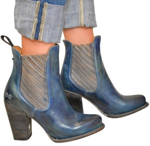 Bed|Stü Blue Distressed Sz 9 New In Box Boots
