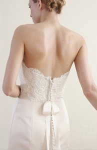 Alvina Valenta Creme Alencon Lace Silk Duchess Satin 9702 Sexy Strapless Empire Hem Feminine Wedding Dress Size 8 (M)