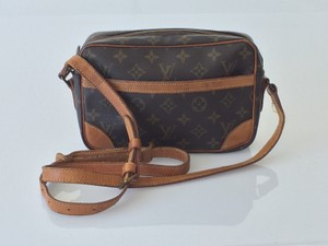 Louis Vuitton Trocadero 24 Cross Body Bag