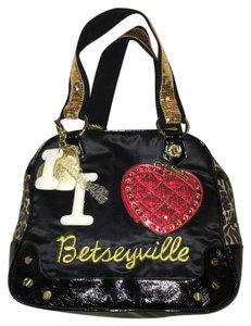 Betseyville Satchel in Black