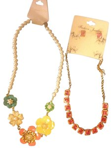 Other BRAND NEW 3 Peice Lot-Flowered Necklace #2-Necklace/Earring Set