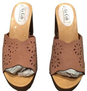 Liz Cole Suede Studded Summer Tan Mules