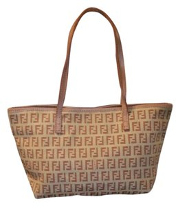 Fendi Tote in Light pink