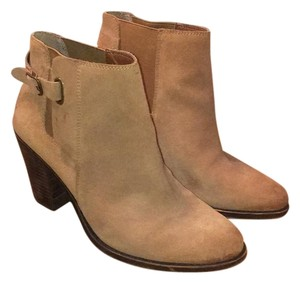 Lucky Brand Camel Brown Boots