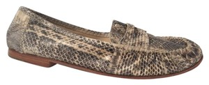 Kenneth Cole Natural Flats