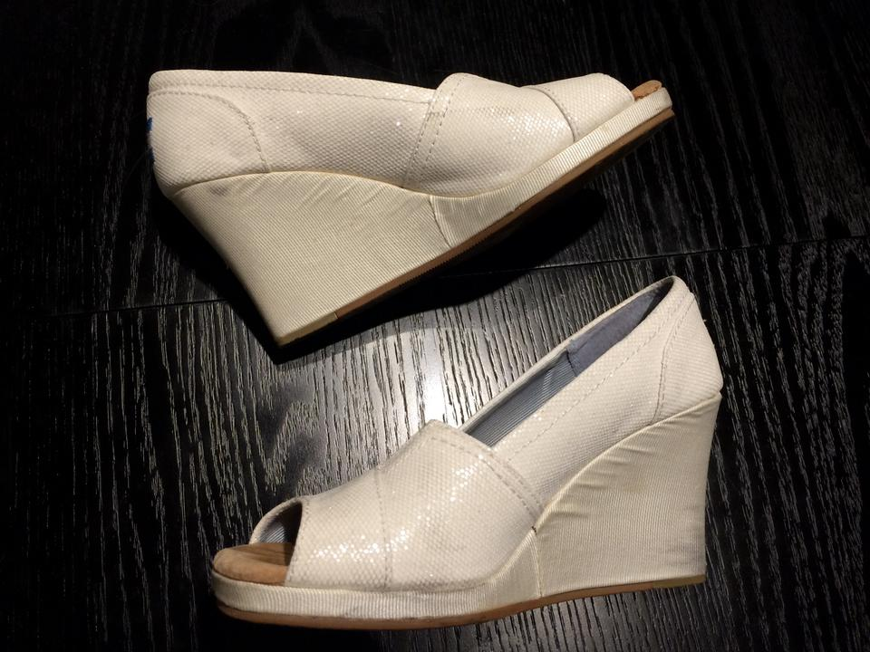 c08d2746d67 TOMS White Ivory Sequins Wedges Size US 7 - Tradesy