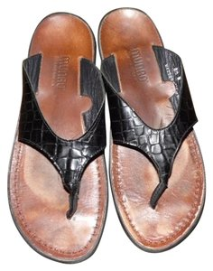 Munro American Embossed Leather Croc Flip Flops black Sandals