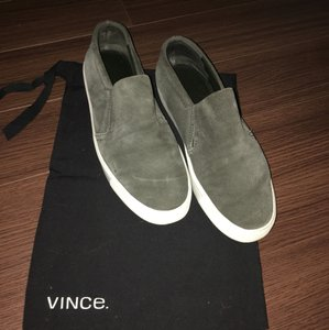Vince Suede Suede Slip On Green Athletic