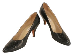 Bottega Veneta Leather Woven Black Pumps