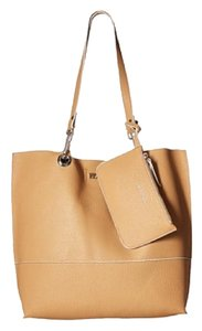 Kenneth Cole Reaction Tote in Camel
